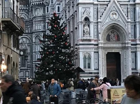 フィレンツェもみんなクリスマスへ♪_a0136671_01482729.jpeg