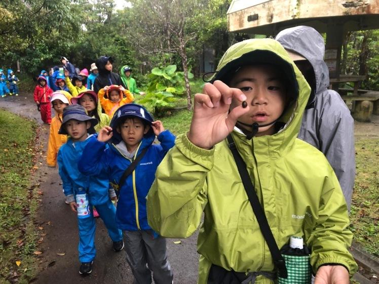星空キャンプ〔2日目〕山の上のキャンプ場に到着。雨の切れ間に天体望遠鏡の練習だ!_d0363878_22580882.jpg