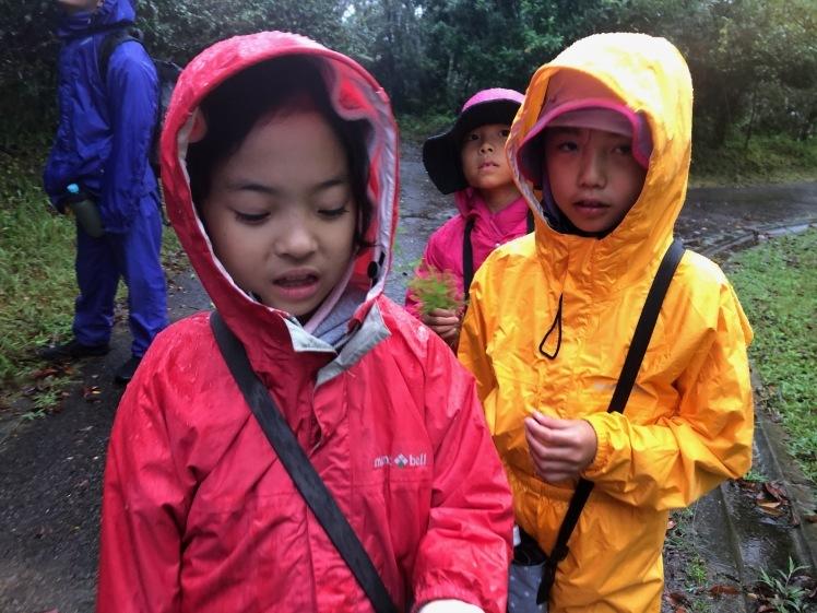 星空キャンプ〔2日目〕山の上のキャンプ場に到着。雨の切れ間に天体望遠鏡の練習だ!_d0363878_22580909.jpg