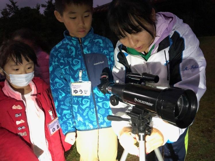 星空キャンプ〔2日目〕山の上のキャンプ場に到着。雨の切れ間に天体望遠鏡の練習だ!_d0363878_22584333.jpg