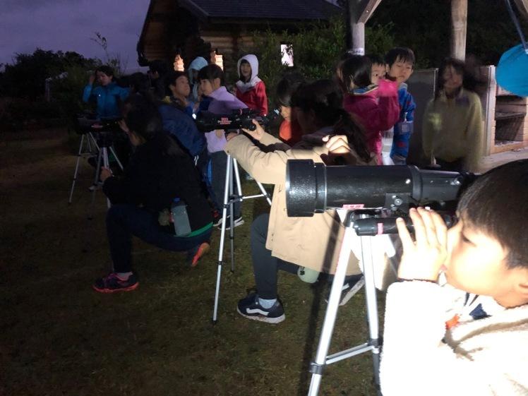 星空キャンプ〔2日目〕山の上のキャンプ場に到着。雨の切れ間に天体望遠鏡の練習だ!_d0363878_22584364.jpg