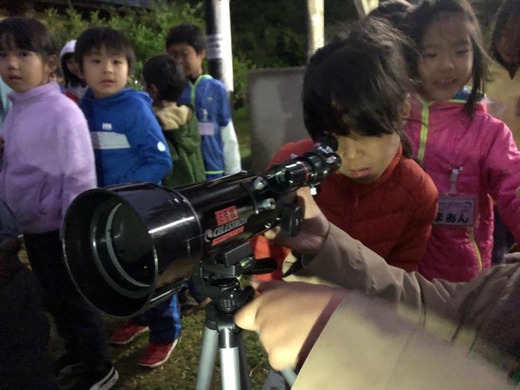 星空キャンプ〔2日目〕山の上のキャンプ場に到着。雨の切れ間に天体望遠鏡の練習だ!_d0363878_22584409.jpg