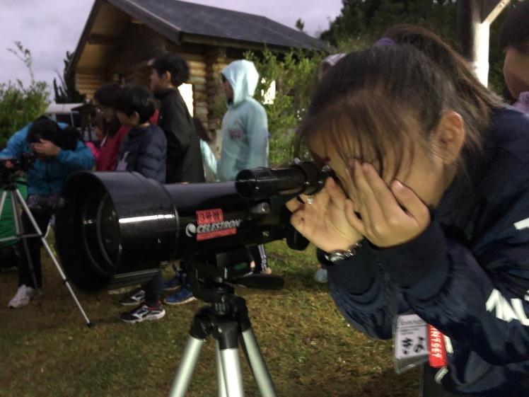 星空キャンプ〔2日目〕山の上のキャンプ場に到着。雨の切れ間に天体望遠鏡の練習だ!_d0363878_22584432.jpg