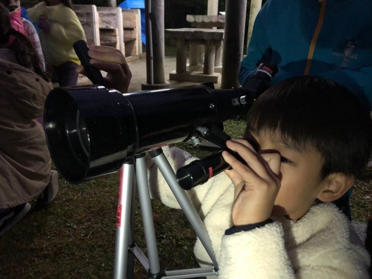 星空キャンプ〔2日目〕山の上のキャンプ場に到着。雨の切れ間に天体望遠鏡の練習だ!_d0363878_22584486.jpg
