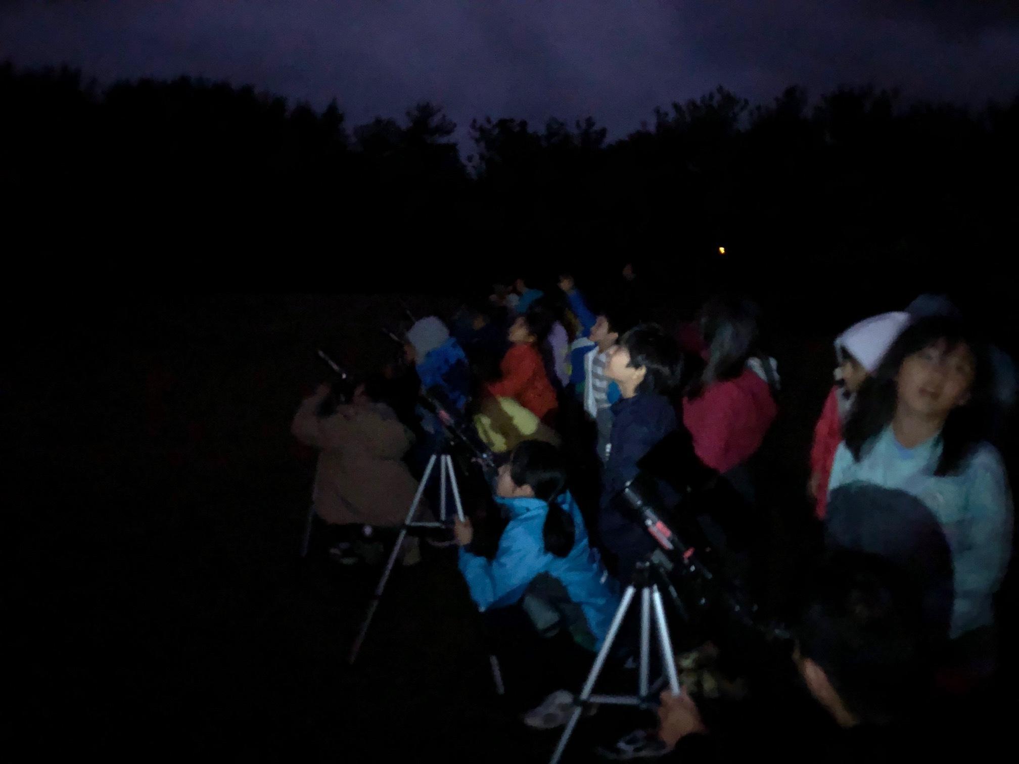 星空キャンプ〔2日目〕山の上のキャンプ場に到着。雨の切れ間に天体望遠鏡の練習だ!_d0363878_22584583.jpg
