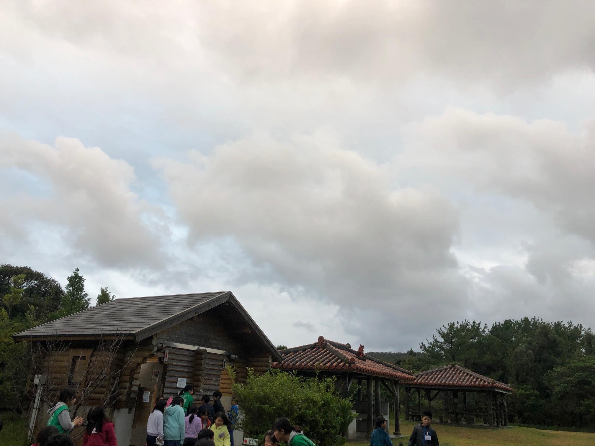 星空キャンプ〔2日目〕山の上のキャンプ場に到着。雨の切れ間に天体望遠鏡の練習だ!_d0363878_22592267.jpg