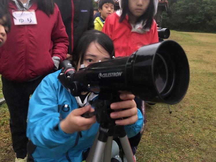 星空キャンプ〔2日目〕山の上のキャンプ場に到着。雨の切れ間に天体望遠鏡の練習だ!_d0363878_23000268.jpg