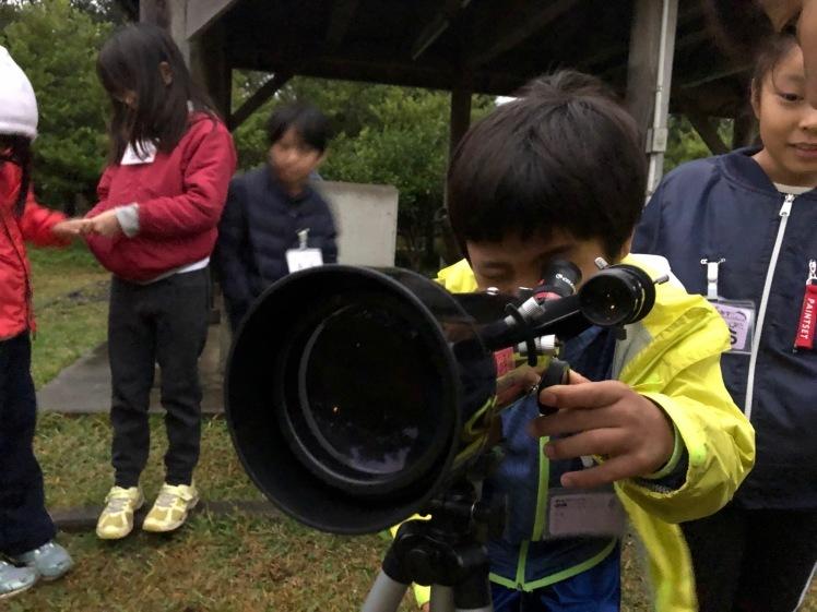 星空キャンプ〔2日目〕山の上のキャンプ場に到着。雨の切れ間に天体望遠鏡の練習だ!_d0363878_23000301.jpg