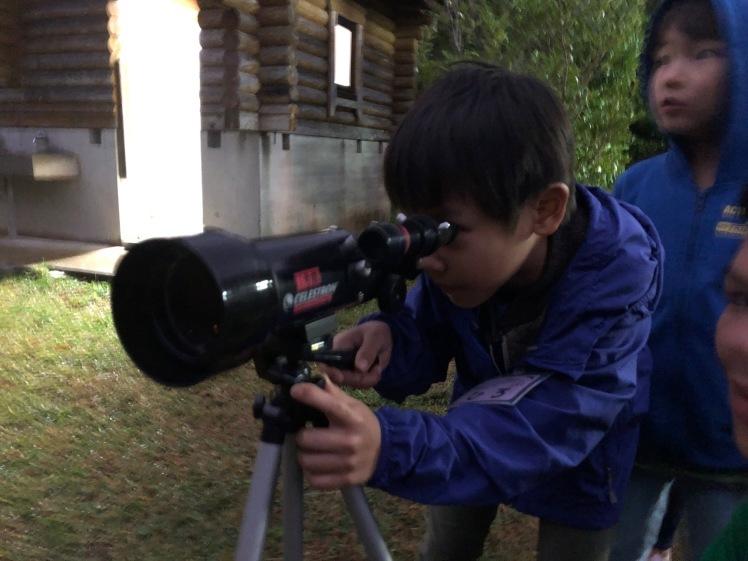 星空キャンプ〔2日目〕山の上のキャンプ場に到着。雨の切れ間に天体望遠鏡の練習だ!_d0363878_23000399.jpg