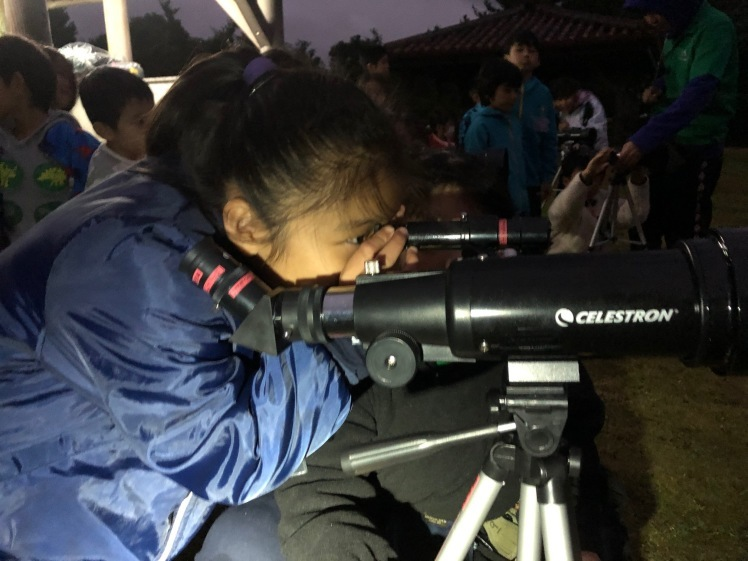 星空キャンプ〔2日目〕山の上のキャンプ場に到着。雨の切れ間に天体望遠鏡の練習だ!_d0363878_23000410.jpg
