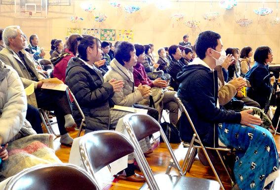 紅葉の榊原小学校_b0145296_17521472.jpg