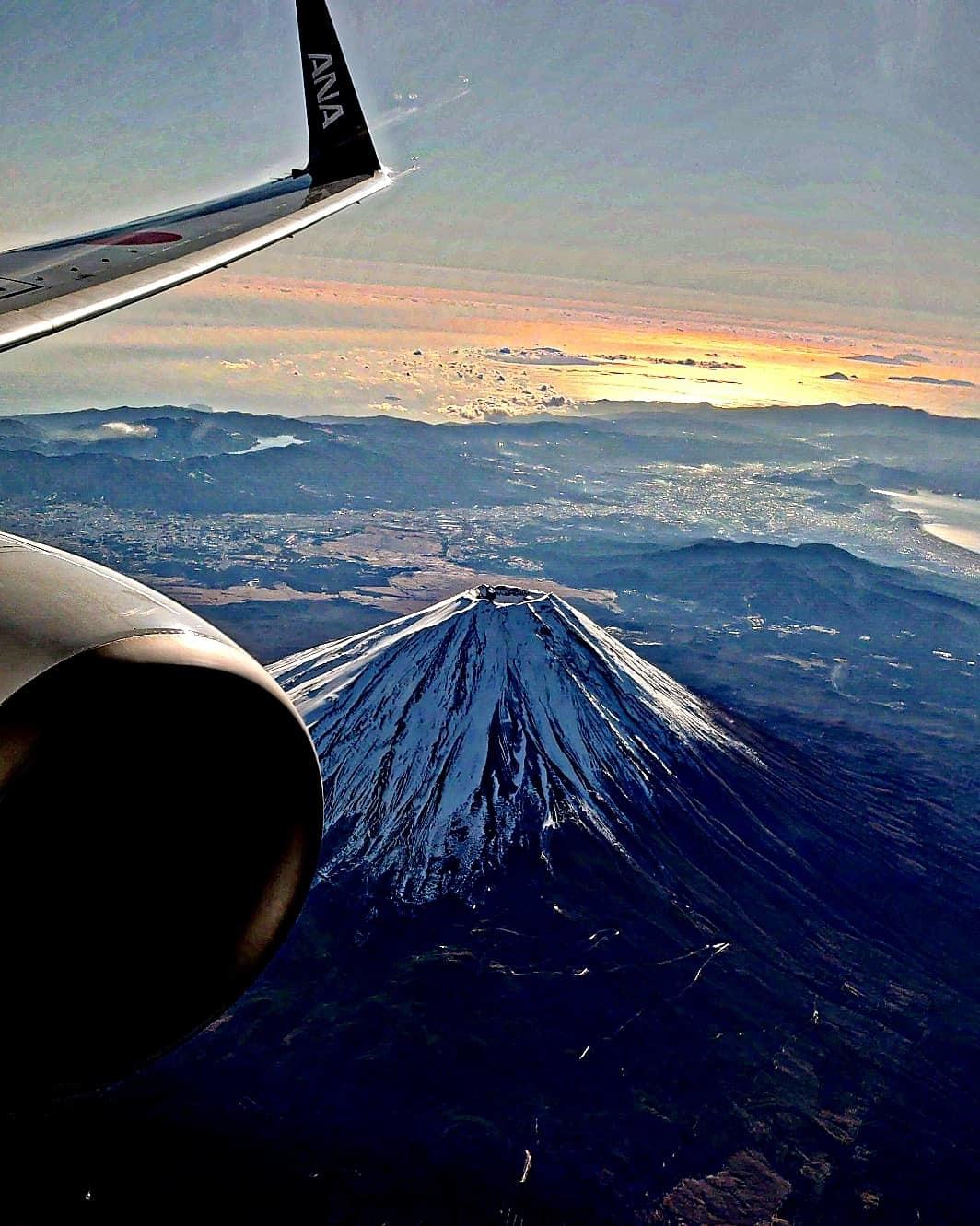空から富士山綺麗です!_b0083801_09350472.jpg