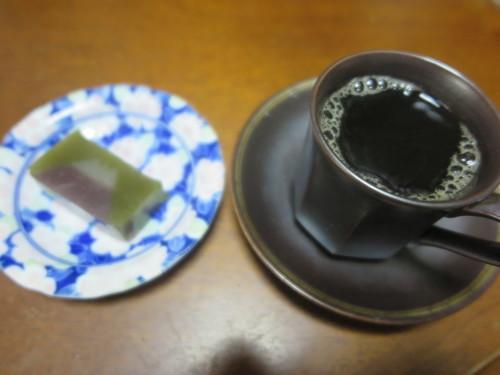 朝:納豆ご飯、金目鯛味噌汁&野菜ジュース 昼:卵添えチキンラーメン 夜:大好きな美味しい我が家のカレー_c0075701_20013830.jpg