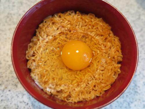 朝:納豆ご飯、金目鯛味噌汁&野菜ジュース 昼:卵添えチキンラーメン 夜:大好きな美味しい我が家のカレー_c0075701_20030318.jpg
