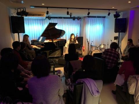 広島 ジャズライブカミン  Jazzlive Comin本日日曜日はおやすみです。_b0115606_12195181.jpeg