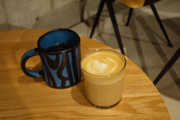 HAY CAFE TOKYOさんでラテ_e0230011_19220266.jpg