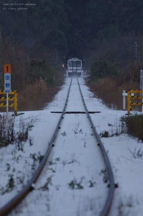 雪の路を_d0309612_08361631.jpg