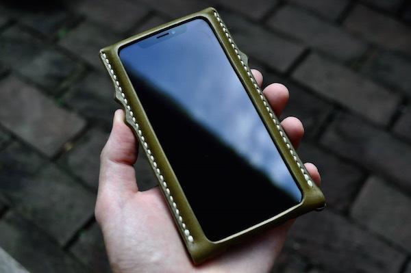 iphone Xs leather case_b0172633_20274755.jpg