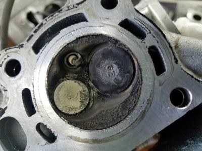 タクト(水冷エンジン)カーボン堆積_e0114857_11360003.jpg