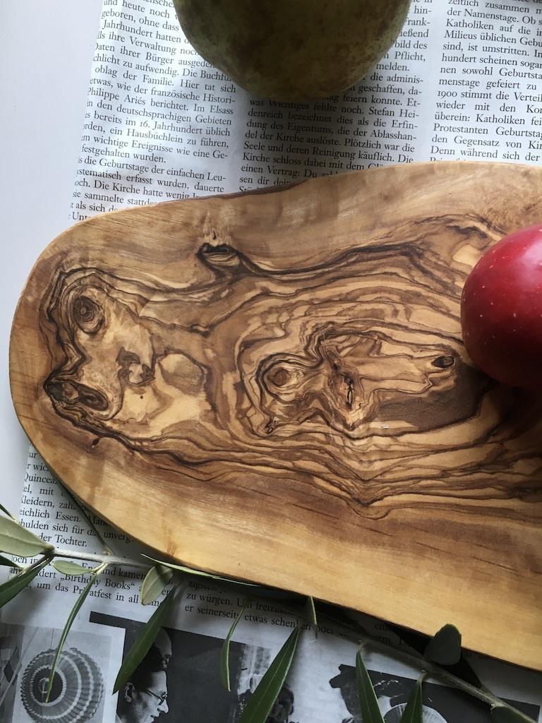 オリーブの木のカッティングボード_c0334574_19090137.jpg