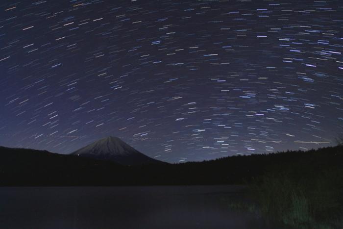 令和元年12月の富士 (2) 西湖の星空の富士_e0344396_22330569.jpg