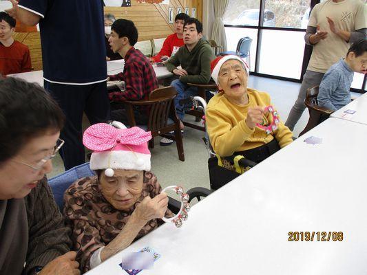 12/8 クリスマス会_a0154110_13412841.jpg