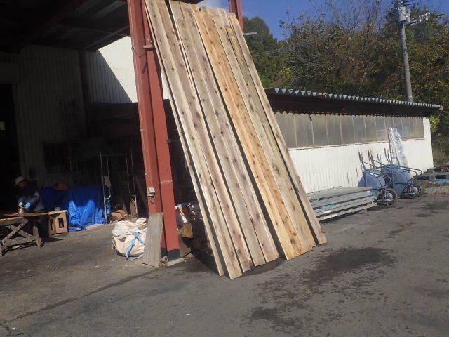 仙北町の家 大工工事が進行中です!_f0105112_04181247.jpg
