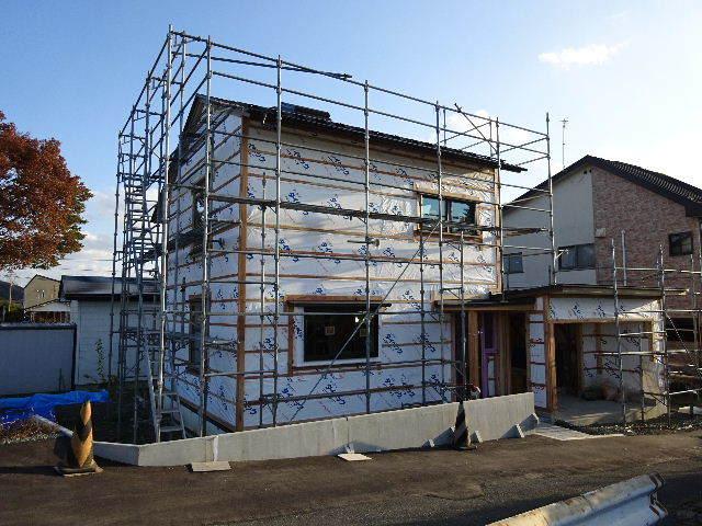 仙北町の家 大工工事が進行中です!_f0105112_04250073.jpg