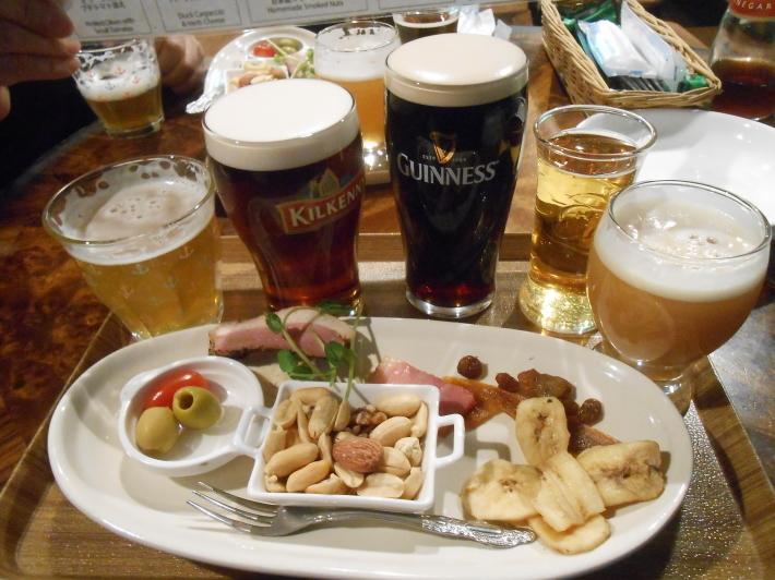 旅は美味しい。羽田の餃子と高松の地ビール。_a0095931_08550353.jpg