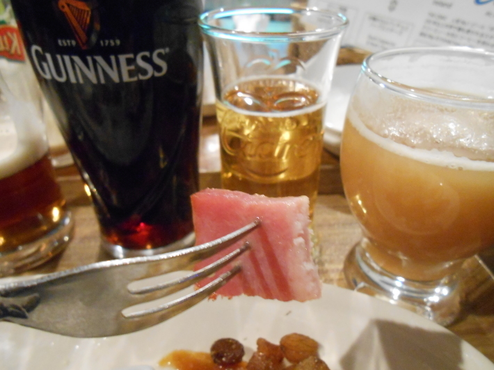 旅は美味しい。羽田の餃子と高松の地ビール。_a0095931_11433063.jpg