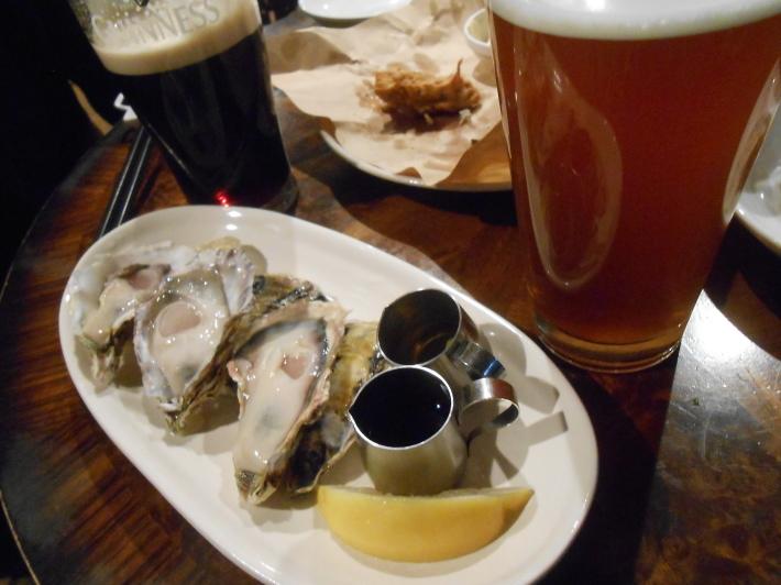 旅は美味しい。羽田の餃子と高松の地ビール。_a0095931_11510855.jpg