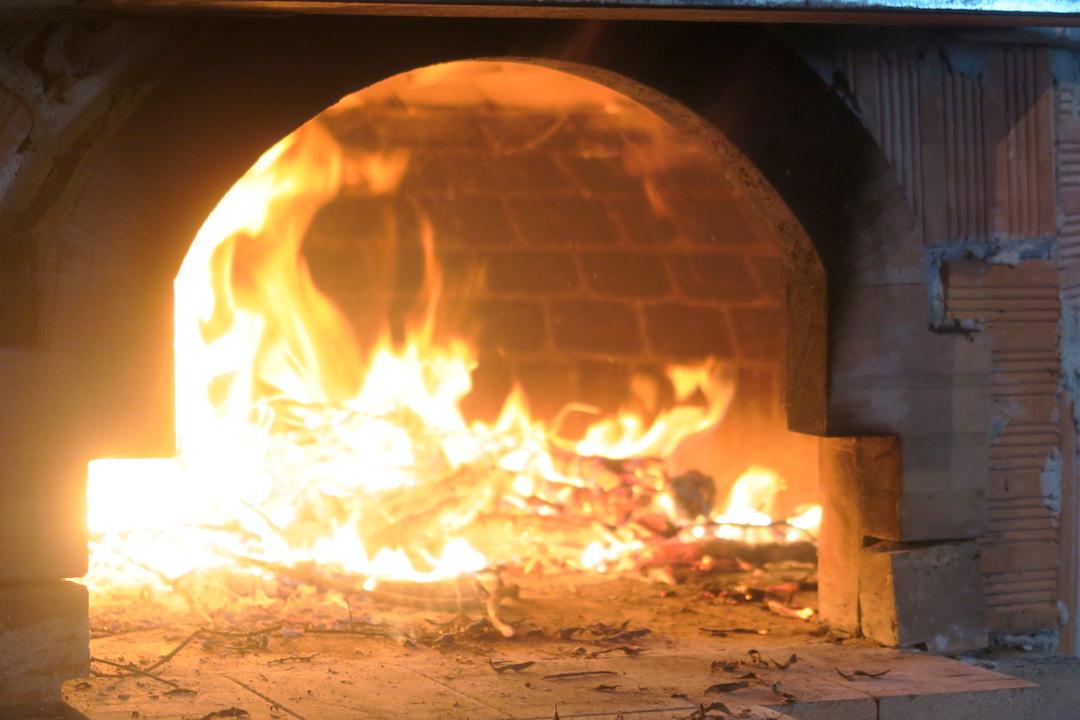窯で焼くパン・ピザ・ビスケットおいしい夕べ_f0234936_6544637.jpg