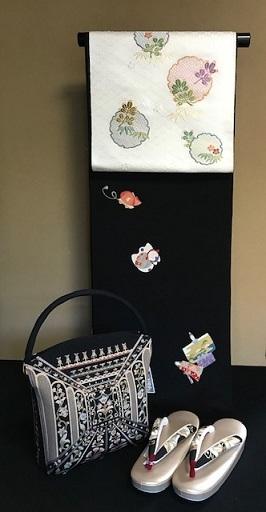 明日の営業・新春向商品・岡重お雛様&玩具小紋に帯三本。_f0181251_19200503.jpg