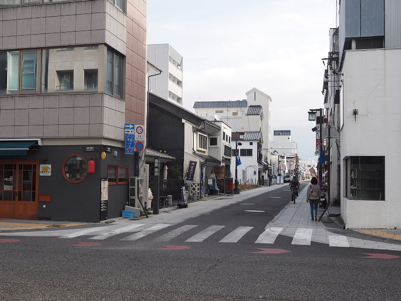 【Photo】早朝の松本城_b0008655_17404517.jpg