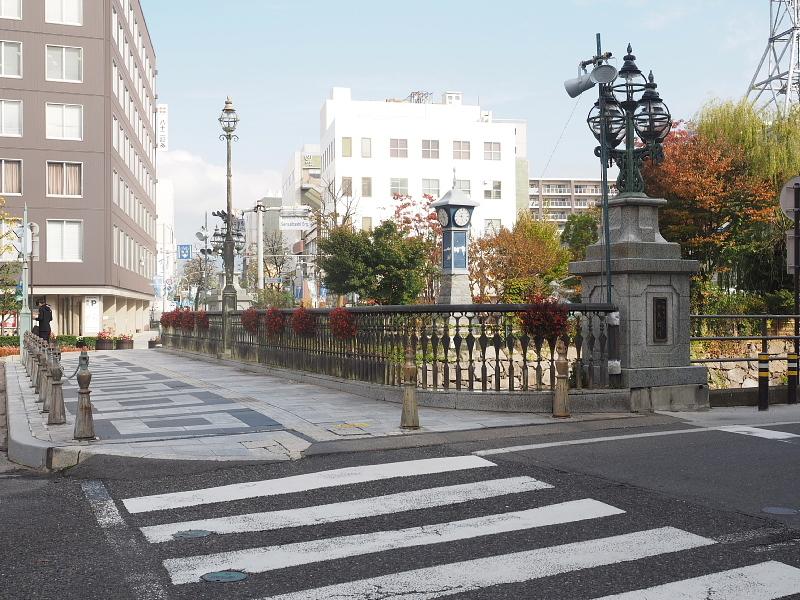 【Photo】早朝の松本城_b0008655_17411890.jpg