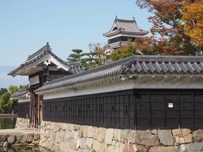 【Photo】早朝の松本城_b0008655_17500607.jpg