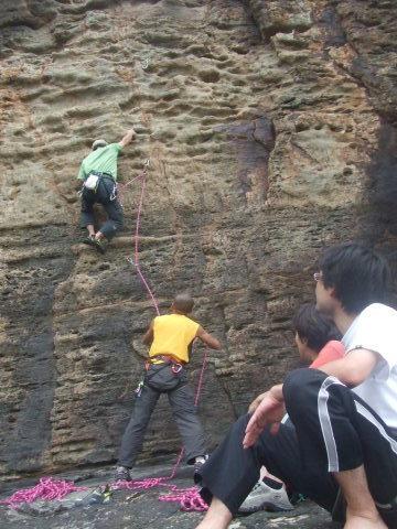 初級岩登り教室のご案内_d0007657_07034774.jpg
