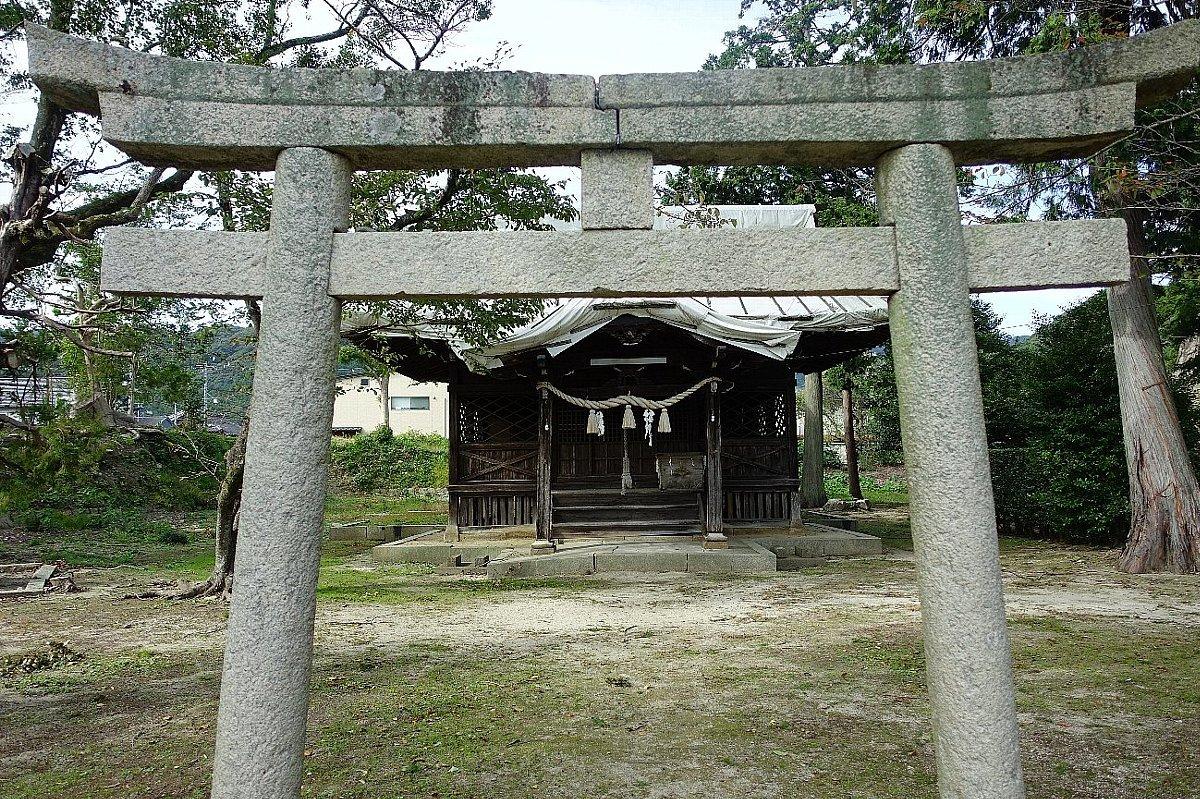 山口市の築山神社_c0112559_08243164.jpg