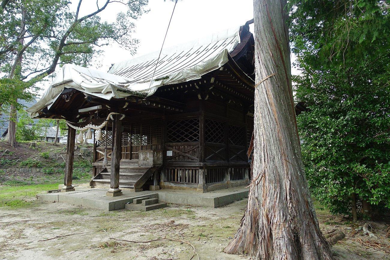 山口市の築山神社_c0112559_08264964.jpg