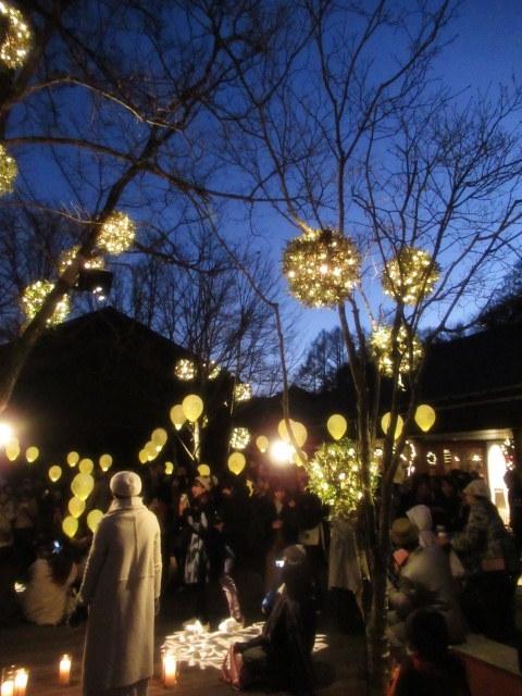 「幸せが灯る街」ハルニレテラスのクリスマス * 幸せのやどりぎ点灯式♪_f0236260_00143340.jpg