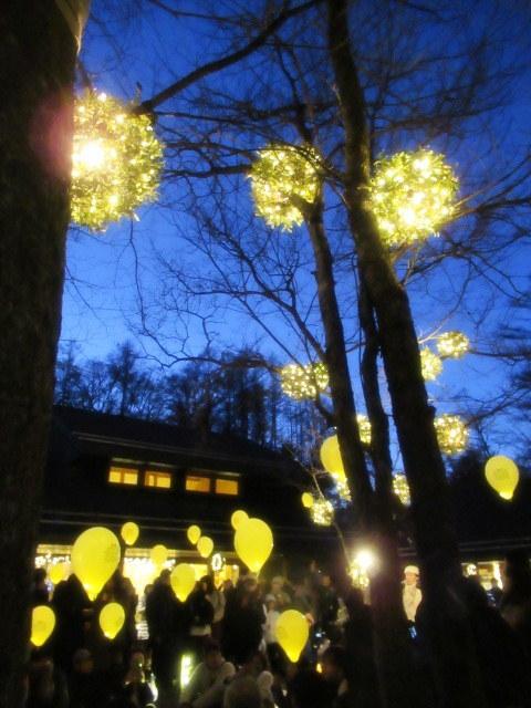 「幸せが灯る街」ハルニレテラスのクリスマス * 幸せのやどりぎ点灯式♪_f0236260_00150766.jpg