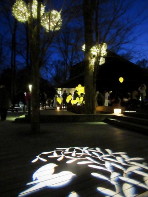 「幸せが灯る街」ハルニレテラスのクリスマス * 幸せのやどりぎ点灯式♪_f0236260_00282928.jpg
