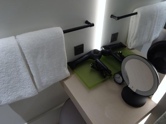 たった26時間のソウル (4)「アンダーズソウル江南」の客室の続き、プール、フィットネス_b0405262_23074959.jpg
