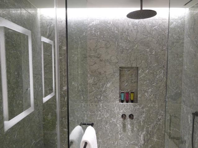 たった26時間のソウル (4)「アンダーズソウル江南」の客室の続き、プール、フィットネス_b0405262_23090624.jpg
