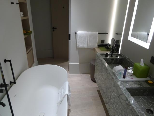 たった26時間のソウル (4)「アンダーズソウル江南」の客室の続き、プール、フィットネス_b0405262_23103496.jpg