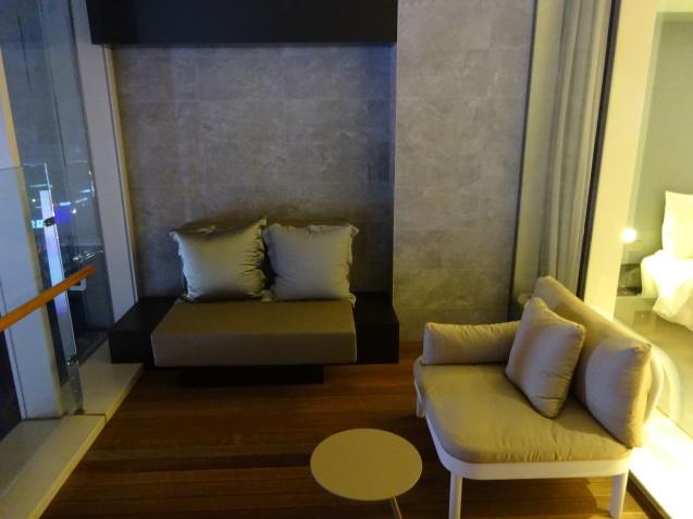 たった26時間のソウル (4)「アンダーズソウル江南」の客室の続き、プール、フィットネス_b0405262_23112244.jpg