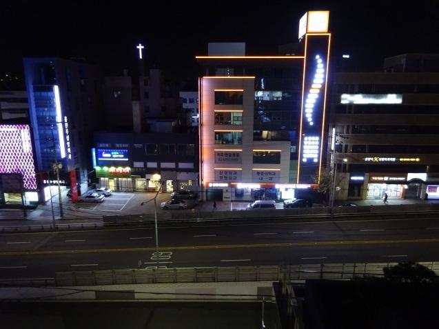 たった26時間のソウル (4)「アンダーズソウル江南」の客室の続き、プール、フィットネス_b0405262_23113727.jpg