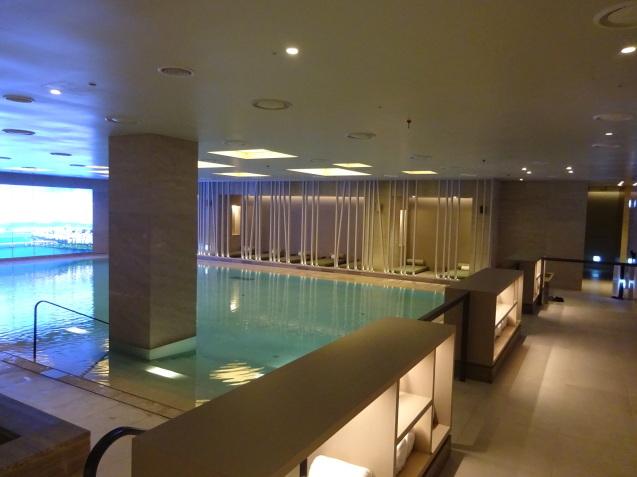 たった26時間のソウル (4)「アンダーズソウル江南」の客室の続き、プール、フィットネス_b0405262_23300006.jpg