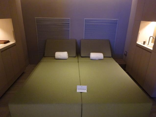 たった26時間のソウル (4)「アンダーズソウル江南」の客室の続き、プール、フィットネス_b0405262_23304251.jpg