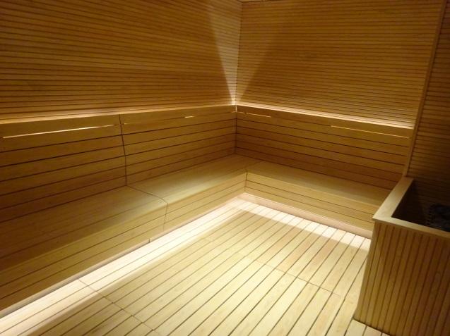 たった26時間のソウル (4)「アンダーズソウル江南」の客室の続き、プール、フィットネス_b0405262_23322057.jpg